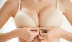 Comment reduire sa poitrine sans chirurgie ?